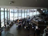 Vista do restaurante/bar do EYE.
